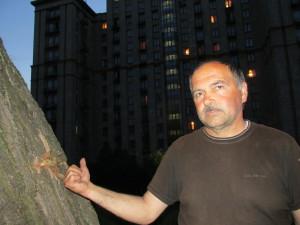 "Im Schatten des ""Ukraina"" - Mikola Romanjuk präsentiert Streifschüsse an den Bäumen"