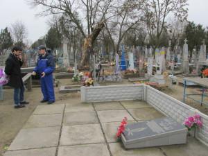 Friedhof von Tsiurupinsk: Ein schlichtes Denkmal erinnert an das Massengrab